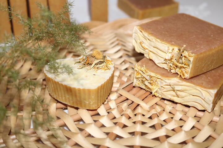 savon orange et curcuma Nourrit, hydrate, adoucit et protège la peau pour tous types de peaux